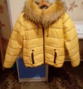 Зимняя теплая куртка. Хорошее состояние...