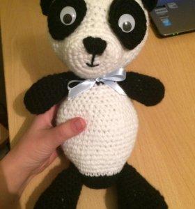 Игрушка вязаная панда