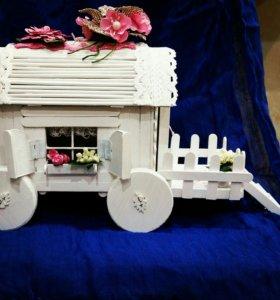 """Интерьерная игрушка """"Домик на колесах"""""""