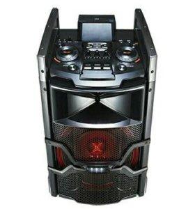 Портативная минисистема X-BOOM с клубной подсветко