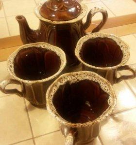 Чайник и чашки. Керамика