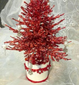 Красная новогодняя елка