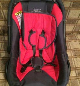 Автомобильное кресло для новорождённых