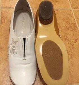 Туфли из нат.кожи Kerquelen,38р