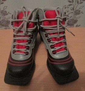лыжные ботинки, размер 34