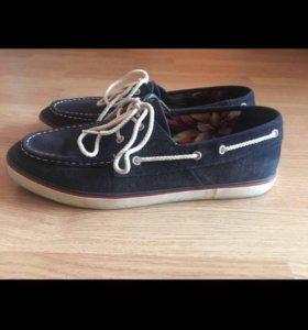 Топсайдер и ботинки