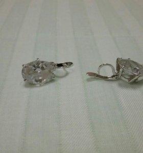 Серьги серебро с камнем фианит