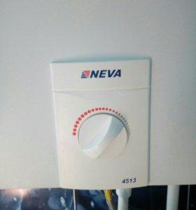 Газ. колонка NEVA 4513, б/у, в рабочем состояни