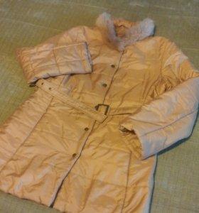 Куртка отличного кроя  р48 с лисьим воротником