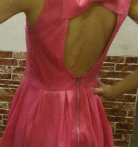 Платье с бантом.