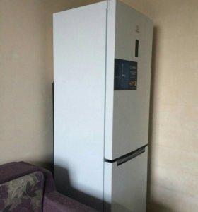Холодильник INDESIT DF 5180W