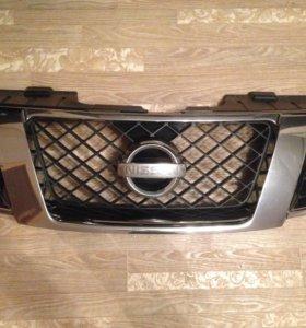 Решётка радиатора от Nissan Pathfinder R51