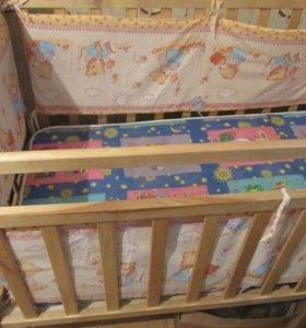 Детская кроватка с мягкими отбойниками