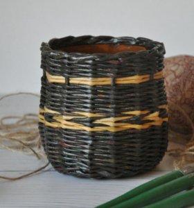 Плетеный горшочек для цветов (кашпо)