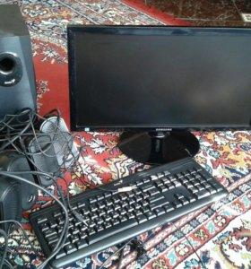 Экран , клавиатура и колонки