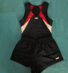 Купальник и шорты для спортивной гимнастики