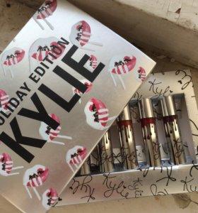 Матовые помады Kylie в коробке