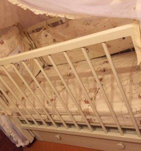 Детская кроватка с матрасом, бортиками, балдахином