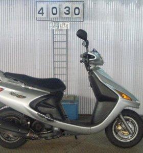 В разбор, по запчастям скутер Yamaha Cygnus 125 SV