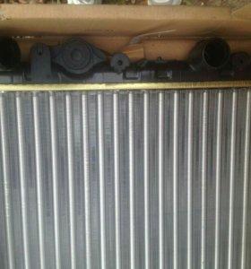 Новый Радиатор охлаждения Renault Logan