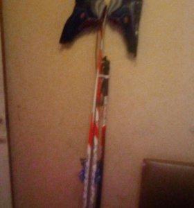 Лыжи ботинки и палки