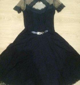 Платье гипюровое.