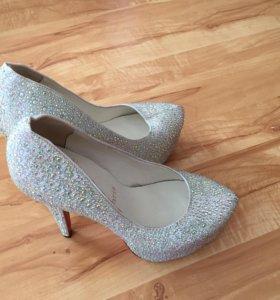 Туфли лабутены