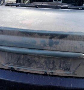Крышка багажника Приора седан