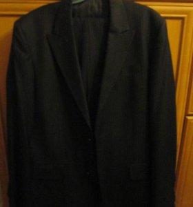 костюм черный в полоску