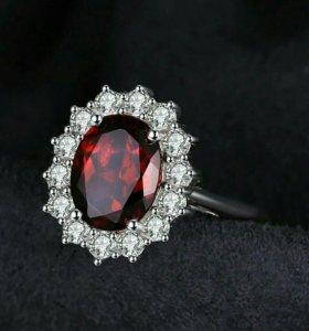 Серебрянное кольцо с натуральным гранатом