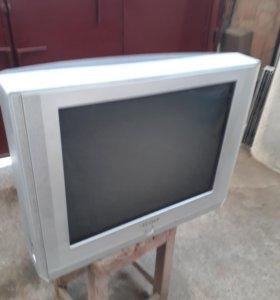 Телевизор Samsung 63 см. экран