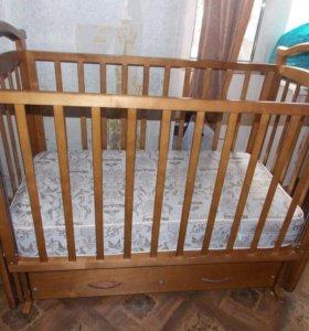 Кровать детская маятник ,матрац двухсторонний