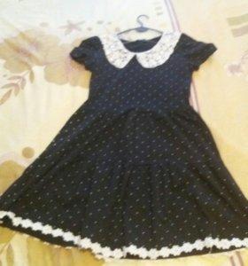 Платье L .