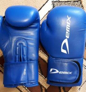 """Перчатки боксерские размер 10 """"Demix"""""""