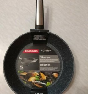Сковорода tescoma 28 см глубокая. Новая!