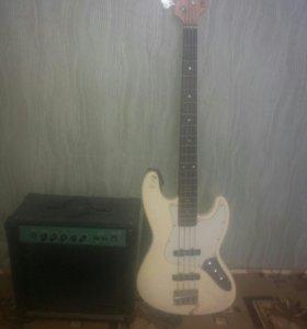 Басовая гитара и басовый комбик.