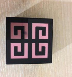 Румяна Givenchy