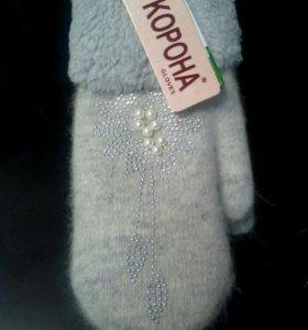 Тёплые варежки и перчатки