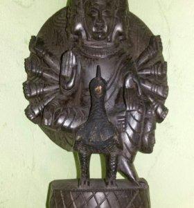 Бог Вишну на павлине.Статуэта из эбенового дерева.