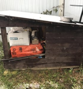 Утеплённая будка для собаки с террасой