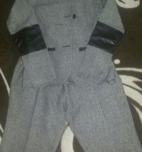 Женские костюм