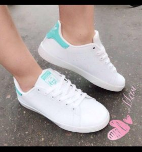 Новые кроссовки Адидас