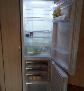 Холодильник Haier C2F 536 cwmv