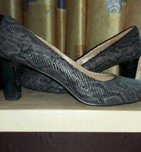 Туфли размер 40 новые