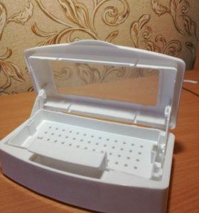 Контейнер для стерилизации и хранения инструмента.