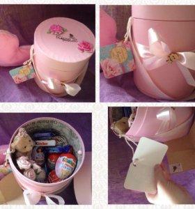 киндеры в шляпной коробке игрушка подарок