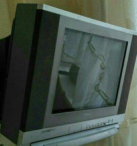 Телевизор Hitachi в рабочем состоянии
