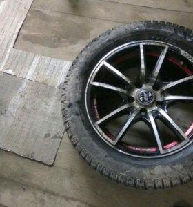 Зимние шипованные шины Pirelli на дисках