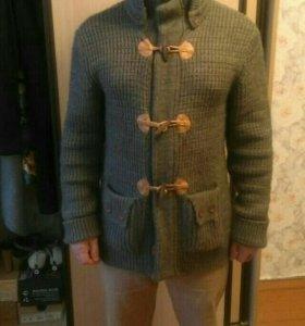 Брендовый свитер (куртка)