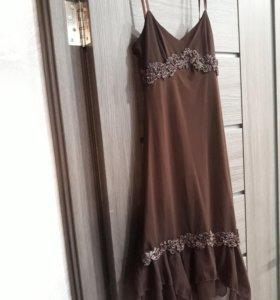 Праздничное платье р.42